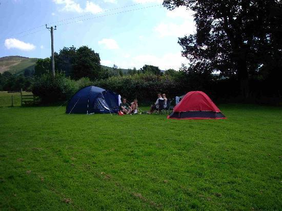 Llangynhafal, UK: Camping