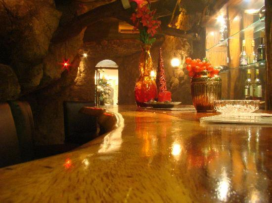 La Mansion Inn: Bat Cave Bar