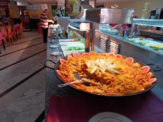Tagoro Family & Fun Costa Adeje: paella