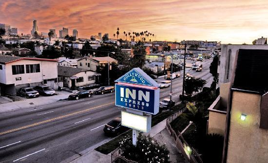 Hollywood Inn Express South: Downtown Los Angeles View