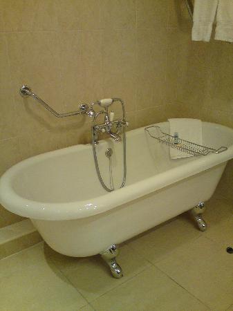 The Heritage Killenard : Freestanding bath