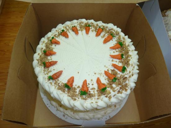 Sweet Tooth Bakery & More: Dessert cake - Homemade carrot cake with cream cheese icing