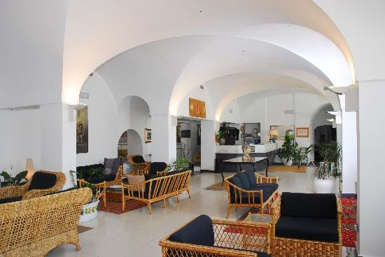 Grande Hotel Santa Domitilla: Hall - Reception