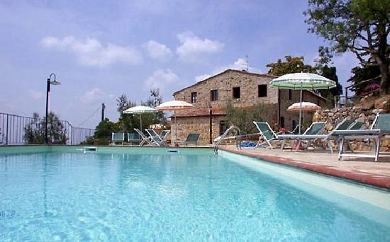 Podere Palazzolo: our pool