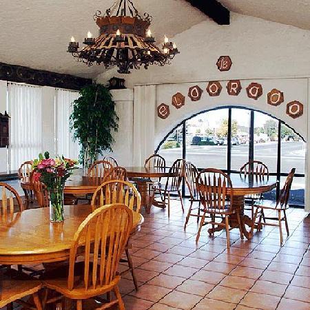 Eldorado Inn: Lobby