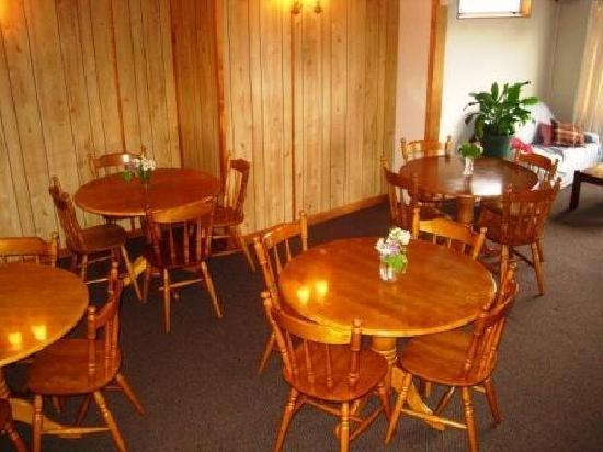 Bradshaw's Travel Lodge: Dining area