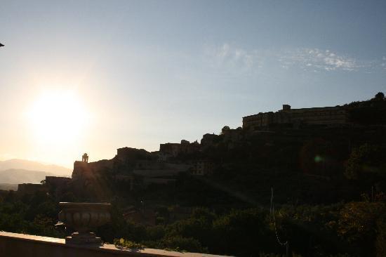 Villa Euchelia Resort: panoramico tramonto da   villaeuchelia