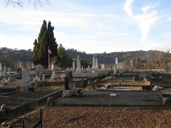 Jackson Pioneer Cemetery: Jackson Cemetery - a newer section