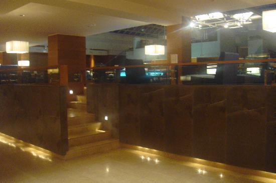 Ergife Palace Hotel: rampa per il bar