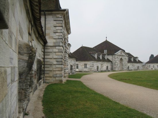‪Royal Saltworks of Arc-et-Senans (La Saline Royale)‬