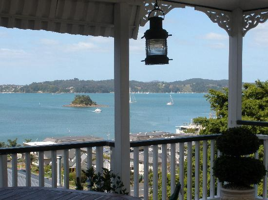 Marlin House Bed & Breakfast: View Over the Bay