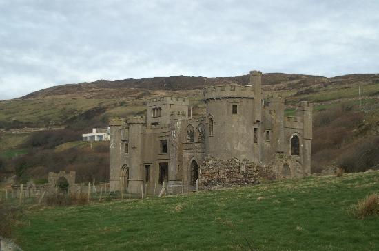 Dun Ri Guesthouse: Clifden Castle