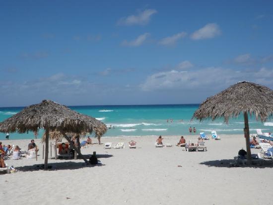 Hotel Gran Caribe Sunbeach: The hotel's beach