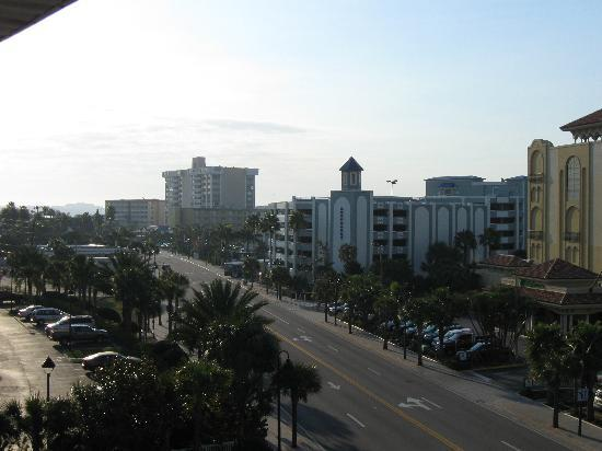 Clearwater Beach Hotel: view from outside our 5th floor room