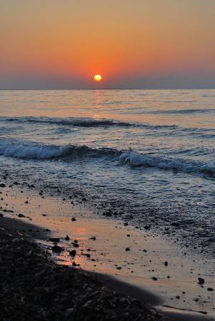 Sea Sound - White Katikies: Sunrise at Sea Sound