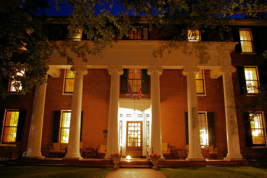 Beaumont Inn: Grand Southern Hospitality at our Historic Inn