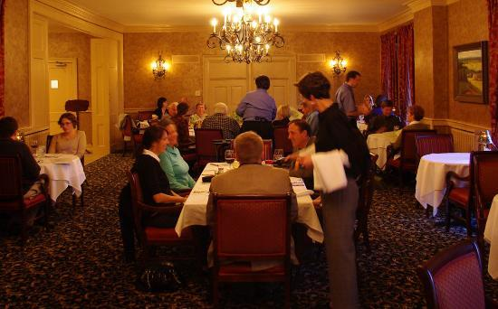 Beaumont Inn: Dining Room in the Inn
