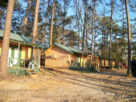 Bass Haven Resort: A view of the cabins