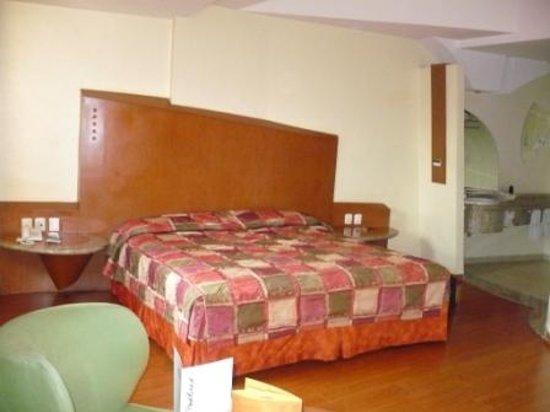 Hotel Aranjuez: cama matrimonial