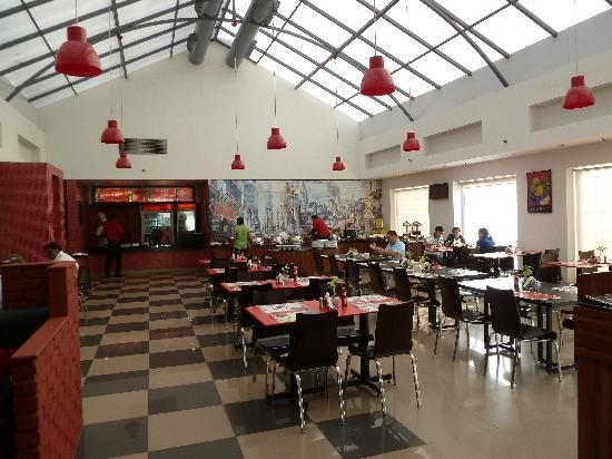 Red Fox Hotel East Delhi Retaurant