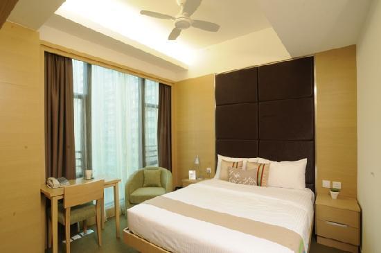 Causeway Corner: Room 01 - Partial sea-view double room