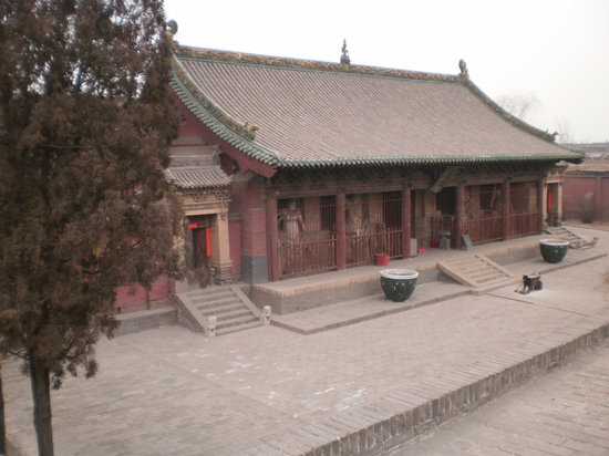 Shuanglin Tempel: First main temple