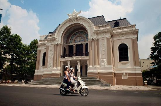 XO Tours: Driving by the Saigon Opera House