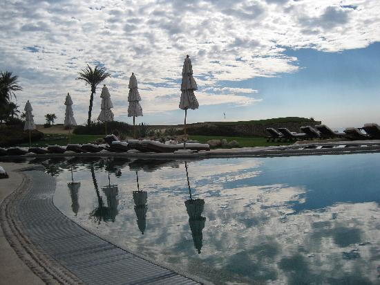 Las Ventanas al Paraiso, A Rosewood Resort: The Pool with Reflections