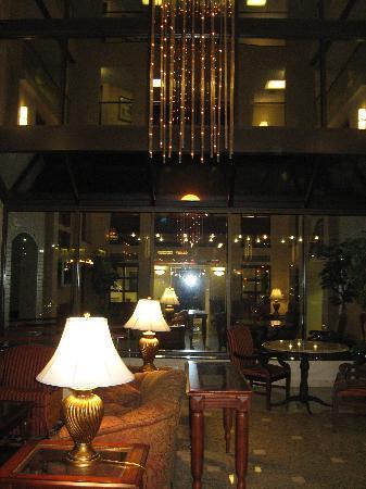 Drury Inn & Suites Joplin: lobby