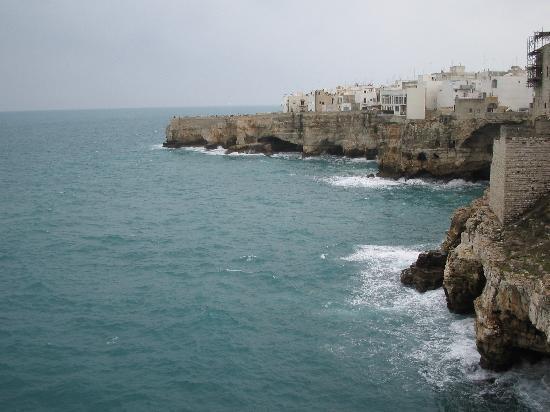 Polignano a Mare, Italy: scogliera
