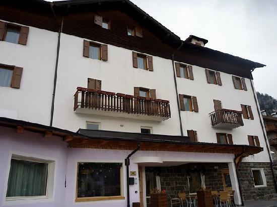 Ciasa Alpina Relax Hotel: hotel
