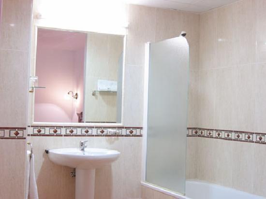 Hotel Conde de Badaran : Baños