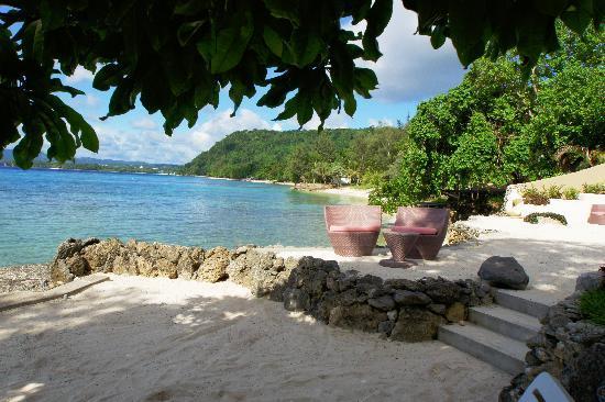 Galavanting Goddess Experience : Lounge on the beach
