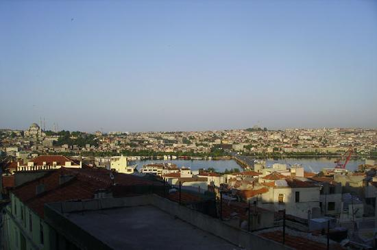 Chillout Galata : the scenery of the roof