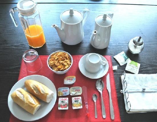 Mystic House Hostel Boutique: desayuno continental