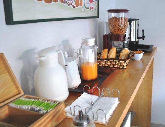 Mystic House Hostel Boutique: barra de desayuno