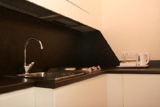 Palazzo Iaquinto: Kitchenette with minibar