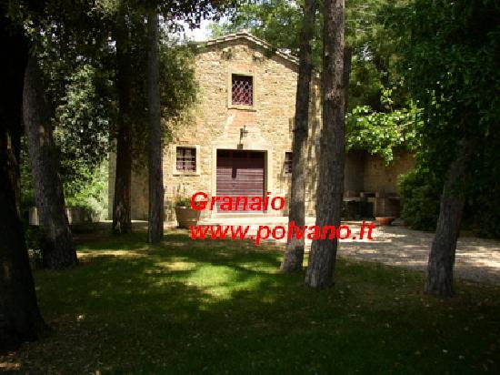 Villa Polvano: www.polvano.it Appartment Granaio