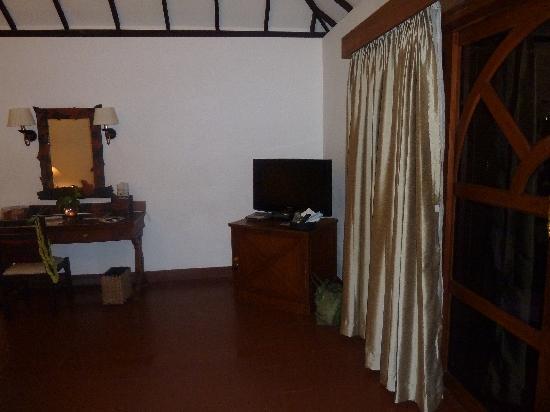 Vivanta by Taj - Kumarakom: room view 2
