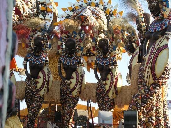 Viareggio, Italia: Carnevale 2011. Carro allegorico