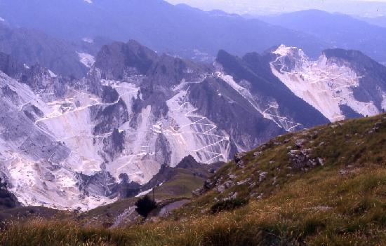 Viareggio, Italy: Panorama delle Alpi Apuane