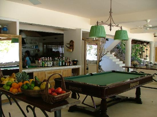 Mangenguey Island: Public spaces in the main house