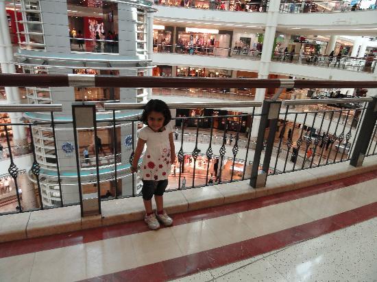 Kuala Lumpur, Malaysia: suria shopping mall
