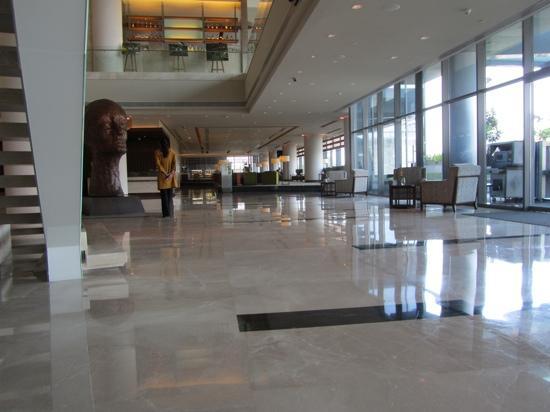 The Westin Pune Koregaon Park: Hotel lobby