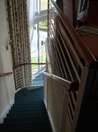 Protea Hotel Marine: Stairs from the Leaving Area to the Bedroom Upstairs