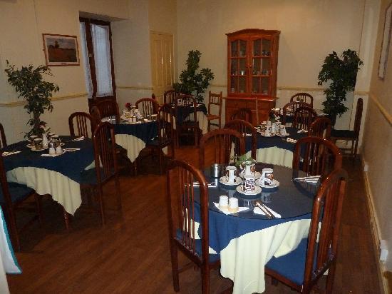 Cannon Hotel: breakfast room