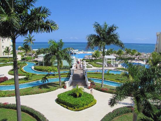 Iberostar Rose Hall Suites: resort grounds