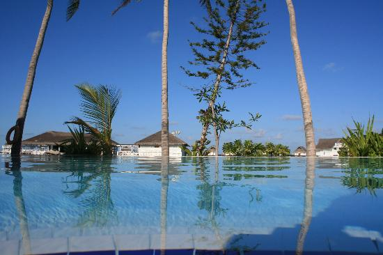 Centara Grand Island Resort & Spa Maldives: The Island Club