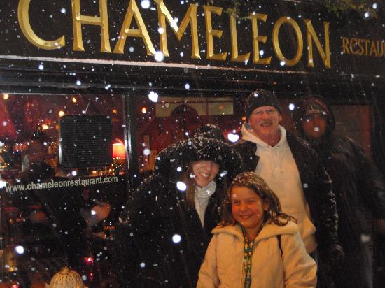Chameleon Restaurant: started snowing while in The Chameleon