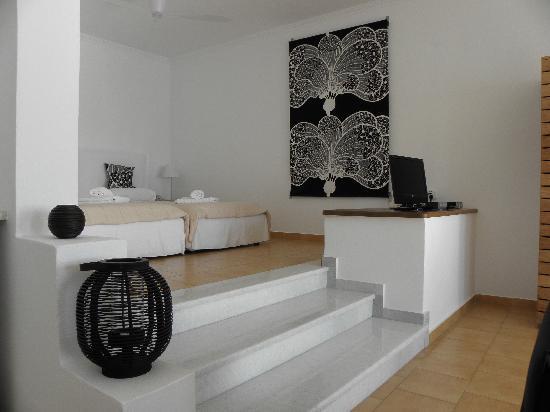 مانوس سمول وورلد: double junior suite interior